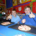 Italian Club make pizza!